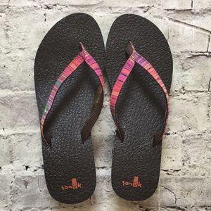 Sanuk Womans Sandals!